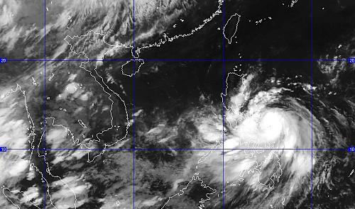 Phillippines Hit With Category 3 Typhoon 'Rammasun'