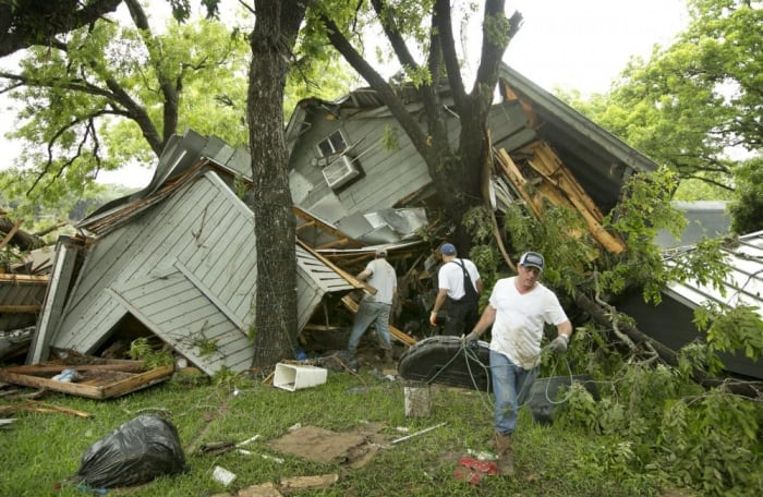 Texas and Oklahoma Slammed with historic floods: 5 dead, 12 missing…