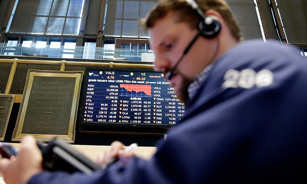 Dow drops more than 500 points as US markets plummet amid global sell-off