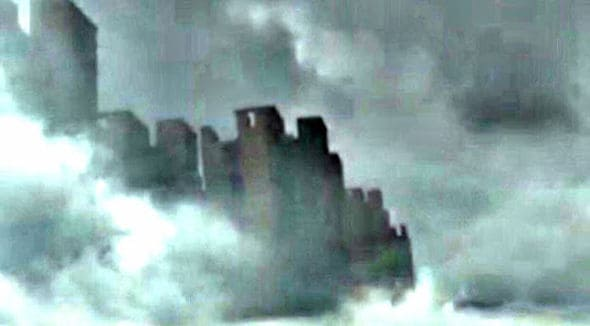 Floating Cities? First China: Now 'parallel universe floating city' appears over seaside at HASTINGS