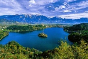 Slovenia_natural_attractions_lakes_bled