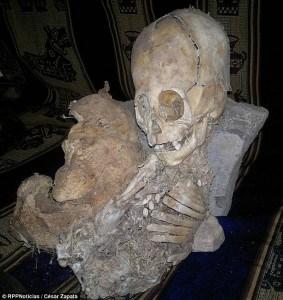 alien-or-giant-skeleton-peru