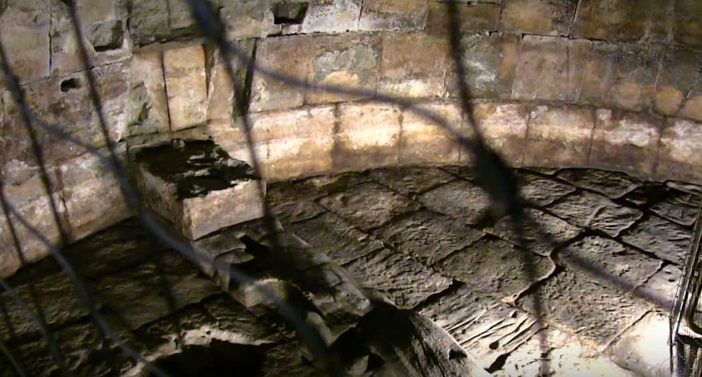 Exploring a Secret Underground Dungeon in Rome