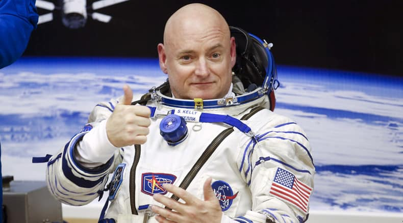 Astronaut Scott Kelly Gets Punked by Flat Earther