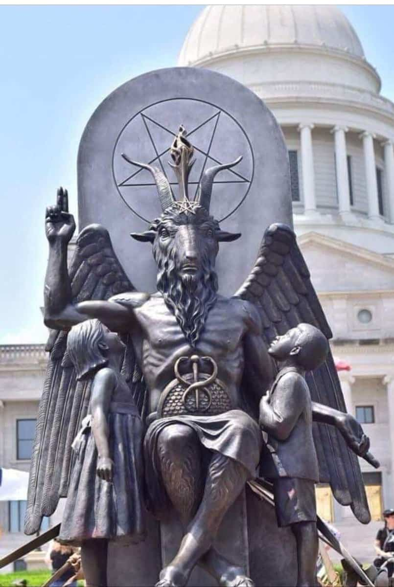 Satanists want Baphomet next to the 10 Commandments – Mainstreaming Ritual Human Sacrifice