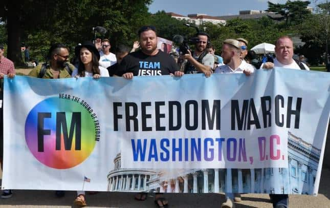 200 ex-LGBT men, women rally to show freedom they've found in following Jesus